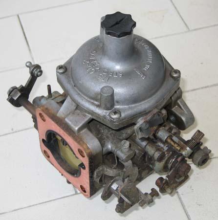 Content / V12 Engine / Carburettor Strip & Rebuild - S3 E-Type